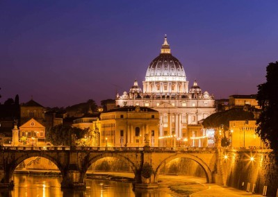 St-peters-cathedral-in-rome-italy-night-view